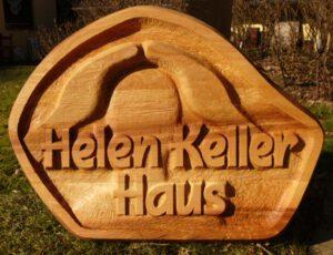 Hausschild, Vollholz, 70 x 60 cm, Auftragsarbeit