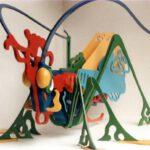 Installation eines Heupferdes aus Sperrholz von Max Holst: Malerei für Öl-und Acryl-Bilder, Gemälde und Porträts, Grafikdesign und handgefertigte Objekte aus der Lüneburger Heide.