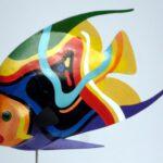 Holzplastik eines Kaiserfisch von Max Holst: Malerei für Öl-und Acryl-Bilder, Gemälde und Porträts, Grafikdesign und handgefertigte Objekte aus der Lüneburger Heide.